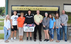 Freshman Student Council Delivers Basket to Pulaski County 911