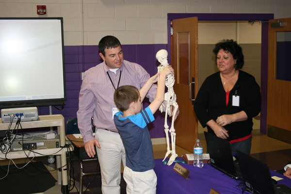 Elementary student names the bones in the human body.