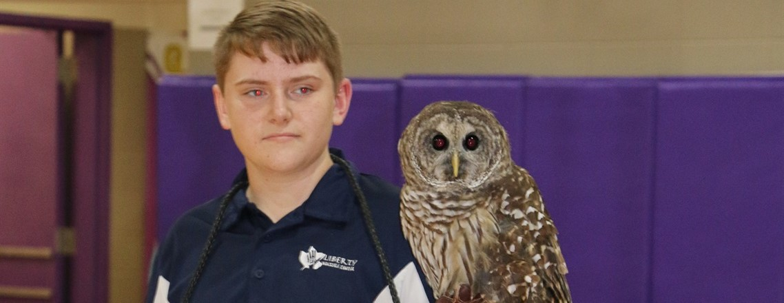 Meece Middle School Student Present Birds of Prey during Liberty Nature Centers Visit